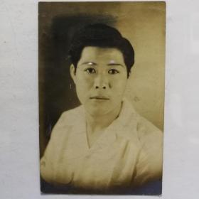 民国男子签名中幅肖像照片