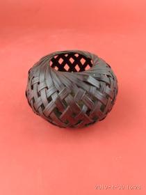 行将失传的工艺精品 手工编织 高粱秸皮 蝈蝈笼 民俗手工艺品