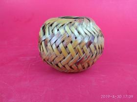 行将失传的工艺精品 手工编织高粱秸皮蝈蝈笼 民俗手工艺品 虫具
