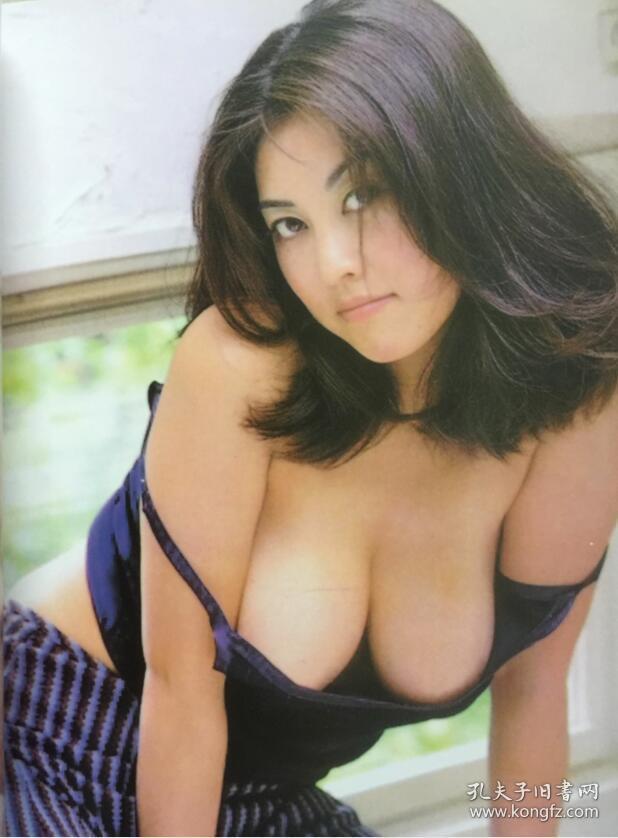 日本美女全裸艺术照片_艺术界 人体摄影专辑(黄色封面) 都是影星名模的裸体人体艺术 美女