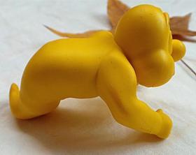 黄色橡胶精灵手办