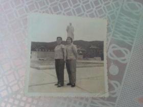 老照片   1969年让三颗红心永远紧紧连在一起  有赠言