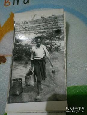 少数民族地区风土人情黑白老照片十张合售!