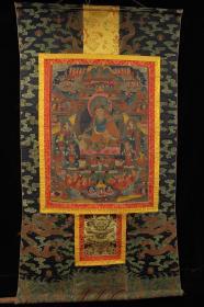 西藏 明代顶级画师纯手工矿物颜料皮上手绘莲花生大师唐卡一张     画心用皮制长144厘米   宽78厘米      画心长58.5厘米    宽44.5厘米