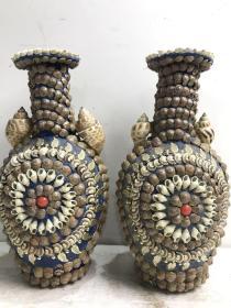 民国左右的贝壳做花瓶一对,纯手工制作,特别精细!特别费工,制作完美漂亮,独具匠心!