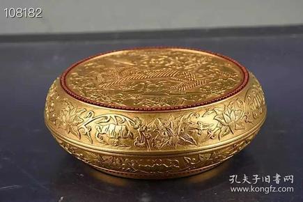 清乾隆鎏金雕刻麒麟八宝纹粉盒