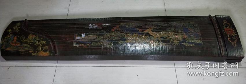 旧藏漆器古筝一把,长1米61,宽33厘米,厚8厘米,品好,可正常弹奏