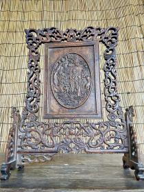 精品花梨木屏风一件,纯手工雕刻,刻工人物形象精细逼真,栩栩如生,摆设佳品,全品如图