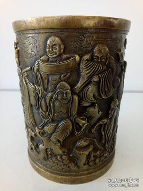 纯铜笔筒·精美浮雕十八罗汉图·纯铜大笔筒·重量1694克【包老】.