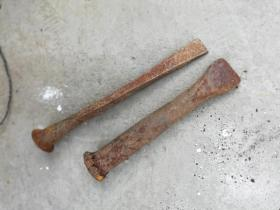 工具;木工使用的铁錾子2个
