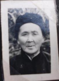 老照片,原照--老太太--收藏夹相册