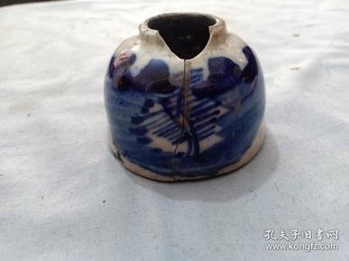 (店)清代青花山水 文房用水盂,有残,尺寸6.5*4.5cm