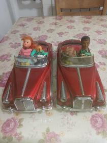 两辆老铁皮车配件