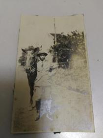 1920年代日本东洋马和驯马师照片3张