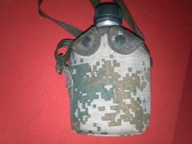 10式特种兵 野外军用水壶(带便携迷彩袋)南京七禾