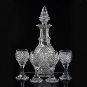 19世纪早期法国巴卡拉古董水晶酒具尺寸:最高24.2CM年代:1830巴卡拉切割水晶,品相上佳,年代考证见巴卡拉产品目录