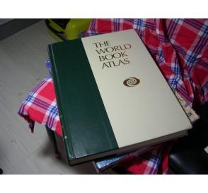 1992年 The World Book Atlas  世界地图集  清楚表明黄岩岛/西沙/南沙诸岛都是中国(china)领土。(此书需预定)