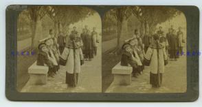 清末民国时期立体照片---1900年代义和团时期广州遭受迫害的中国基督教徒子女,也是教会儿童