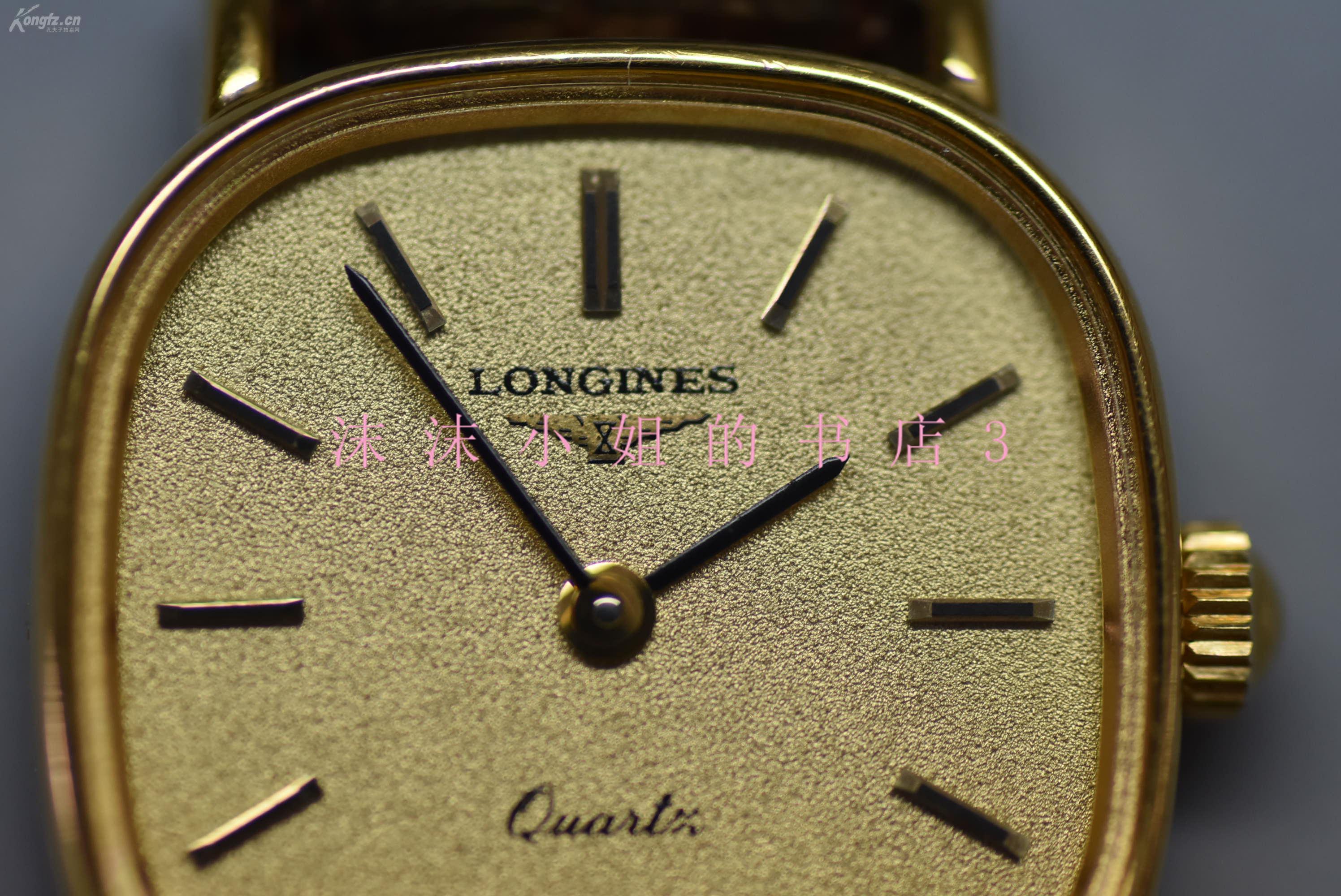 方形阿玛尼手表图片