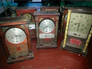 八十年代木壳机械座钟6口合拍,有故障,可修复