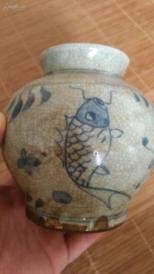 晚清手绘青花鲤鱼罐一个,品完整;