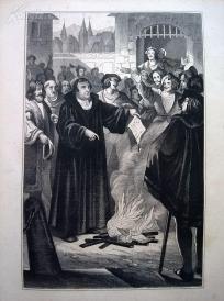 1842年钢版画《马丁路德烧毁教会条令》(LUTHER VERBRENNT DIE PAEBSTLICHE BULLE)—图解世界通史--21*14厘米---精美,漂亮,高质量