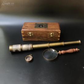 1910年带原装木盒望远镜,指南针,放大镜一套,品完美,;