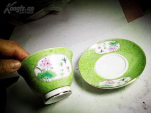 解放初的秀雅茶盅茶托一套