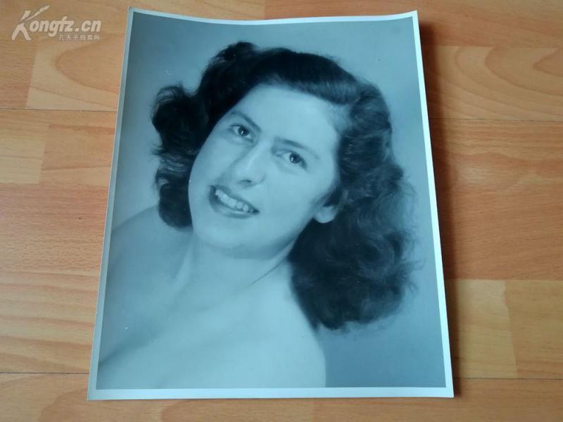 名家艺术摄影老照片《年轻女人肖像》--29*23.5厘米--- Lala Aufsberg (1907-1976),德国著名艺术摄影大师