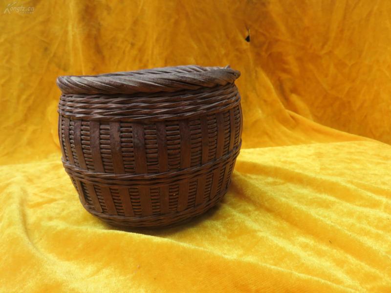 竹编篮子一个19032306