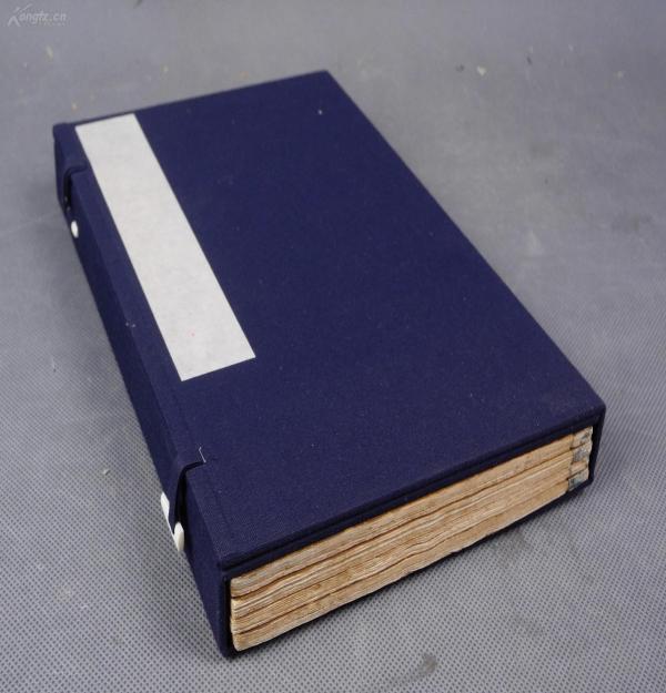 孔網最全之本)清代乾隆文光堂木版五色套印【芥子園畫傳】二集一函原裝8冊合訂4厚冊8卷全,依然存有藍綾包角。五色套印本,套色精準,顏色俏麗。木版套印真是妙品,大16開白紙,紙張光潔白皙、非后來的日本翻刻本所可比擬,牌記和目錄都在,書品很好