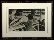 1951年 劉少奇 在中南海作木匠活修繕迎熏亭照片一大張 附框(尺寸:36.5*58.5cm)HXTX119831