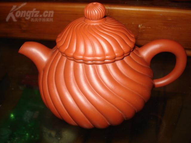 (名家紫砂)漂亮的紫砂壶,底部款(陈氏壶艺)周六旧货市场淘来的,完整,曾经被人用过