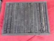 老刻字板一块,.共有活字390个字,长16cm宽34cm厚4cm,品好如图、