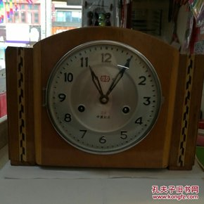 隆中牌座钟