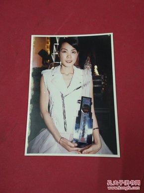 明星-王菲-照片一张