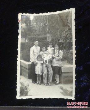家庭合照老照片