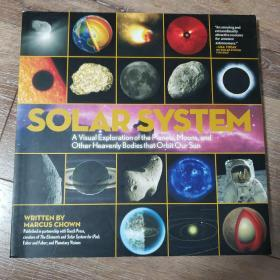 Solar system the visual exploration of the planets,moons,and other heavenly bodies that orbit our sun天文图册 科普图书 月亮 卫星