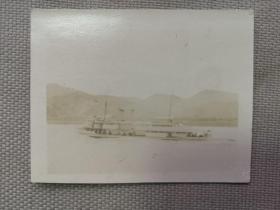 紅色收藏:黑白老照片 民國《長江 汽輪船》一張!尺寸:6厘米*4.6厘米