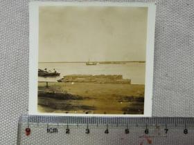 紅色收藏:黑白老照片 民國《長江沿岸 民船2》一張!尺寸:6.2厘米*5.8厘米