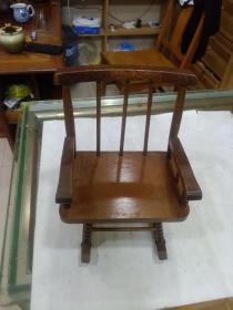 木制小椅子(尺寸如圖)