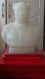 文革時期北京制毛主席玻璃像(厚重,白玉色)