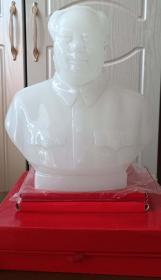 文革時期北京制毛主席白玉色玻璃像