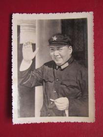文革照片:毛主席在天安門 城樓.