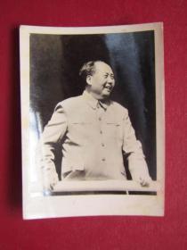 文革照片:毛主席在天安門城樓.