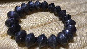純天然頂級稀有古董隕石手鏈,紅山文化隕石手鏈,極為罕見難得,收藏珍品