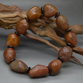 """純天然奇石手鏈,""""沙棗""""筋脈石,瑪瑙奇石手鏈,頂級沙棗瑪瑙原石手鏈,色彩純正精品戈壁沙棗瑪瑙手鏈,瑪瑙奇石手鏈,精品薈萃成一串,古色古香,收藏珍品"""