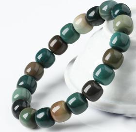 純天然奇石手鏈,綠瑪瑙手鏈,頂級綠瑪瑙原石打磨手鏈,色彩純正精品戈壁瑪瑙手鏈,瑪瑙奇石手鏈,精品薈萃成一串,收藏珍品