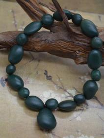 純天然奇石手鏈,綠瑪瑙奇石手鏈,頂級綠瑪瑙原石手鏈,色彩純正精品戈壁瑪瑙手鏈,瑪瑙奇石手鏈,精品薈萃成一串,收藏珍品