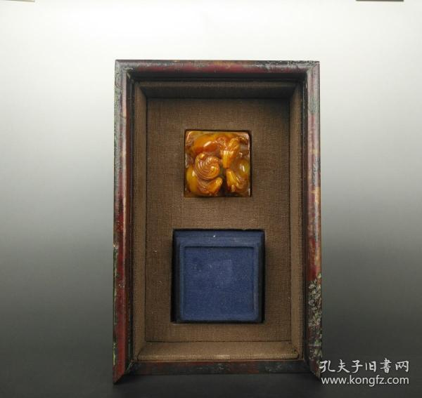 Elegant play in the study. Sanyang Kaitai Laotian Yellowstone Seal of the Qing Dynasty
